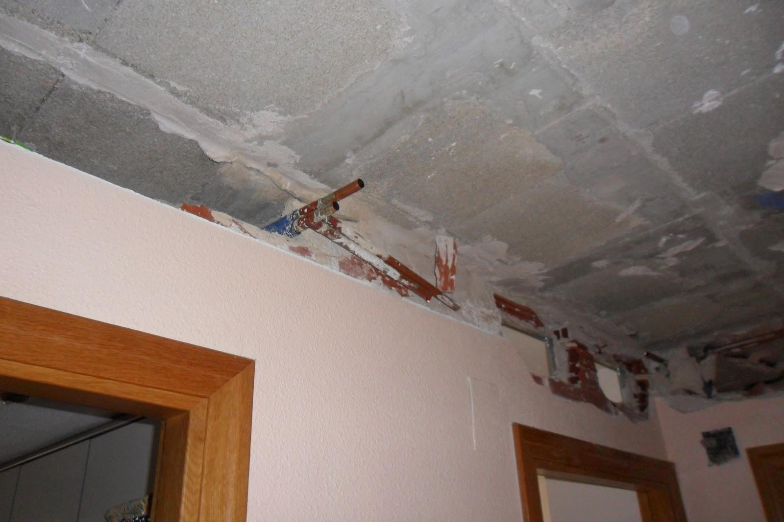 Alicantina de instalaciones m s fotos de orificios de - Falsos techos para banos ...