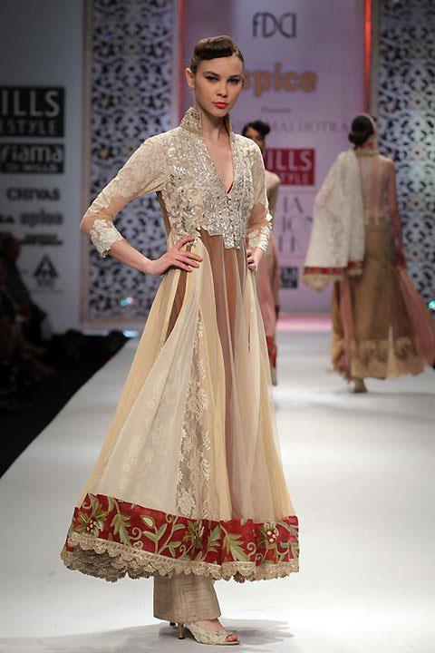 Indian proposal wedding planning tips and ideas indian for Www indian wedding dress