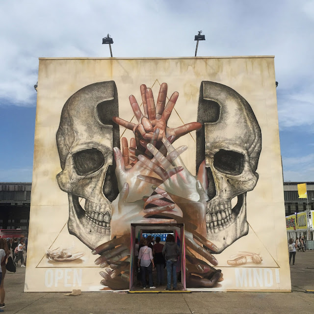 Our friends at Urban Nation just got together Alexis Diaz and Case Ma'Claim to collaborate on a new piece for the Lollapalooza Festival in Berlin, Germany.
