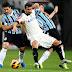 Pato erra cavadinha, Dida brilha e Grêmio elimina o Corinthians