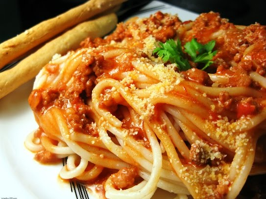 Creative Hospitality: Spaghetti with Ground Beef and Mushrooms