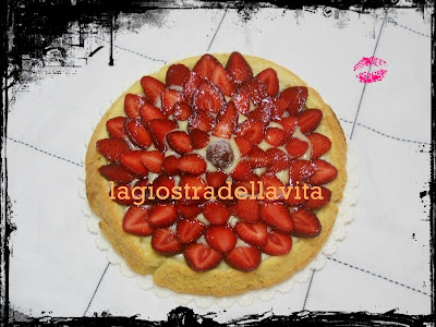 crostata morbida di fragole