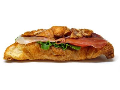クロワッサン・ジャンボンクリュ(Sandwich croissant jambon cru) | PAUL(ポール)