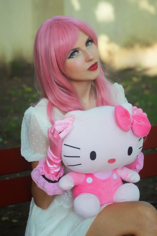 Foto Cewek Hello Kitty Cantik dan Lucu