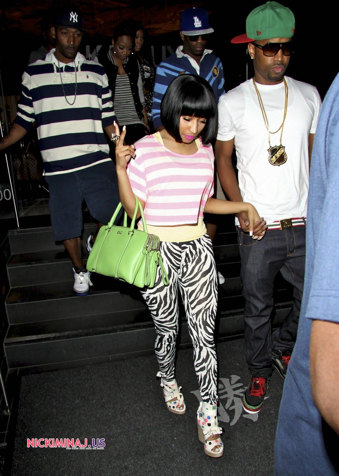 http://1.bp.blogspot.com/-GFbh27bEtY8/TjHutoUbvhI/AAAAAAAAB0E/G82TkJOcv50/s1600/Nicki-Minaj-Feet-467289.jpg