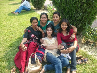 Hot Desi group Girls