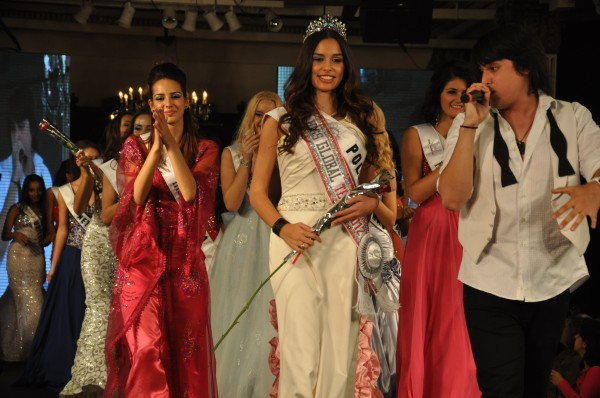 Miss Global Teen 2012 winner Poland Weronika Szmajdzinska