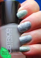 http://druidnails.blogspot.nl/2013/11/33dc2013-day-19-follow-someones-tutorial.html