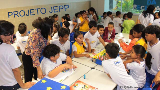 http://www.blogdofelipeandrade.com.br/2015/12/estudantes-do-sesc-ler-goiana.html
