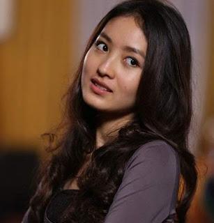 Artis-Indonesia-Tercantik-dan-Terseksi