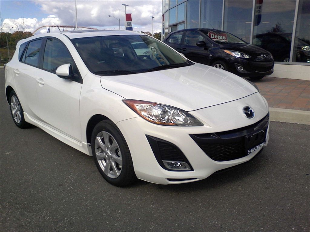 home car collections mazda 3 the affordable small car. Black Bedroom Furniture Sets. Home Design Ideas