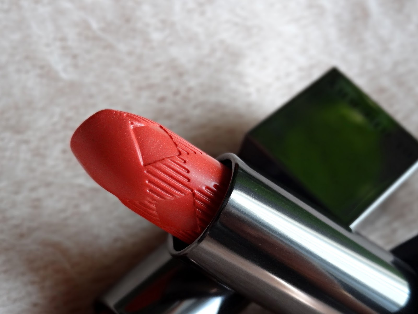 Burberry Kisses Lipsticks in Coral Pink