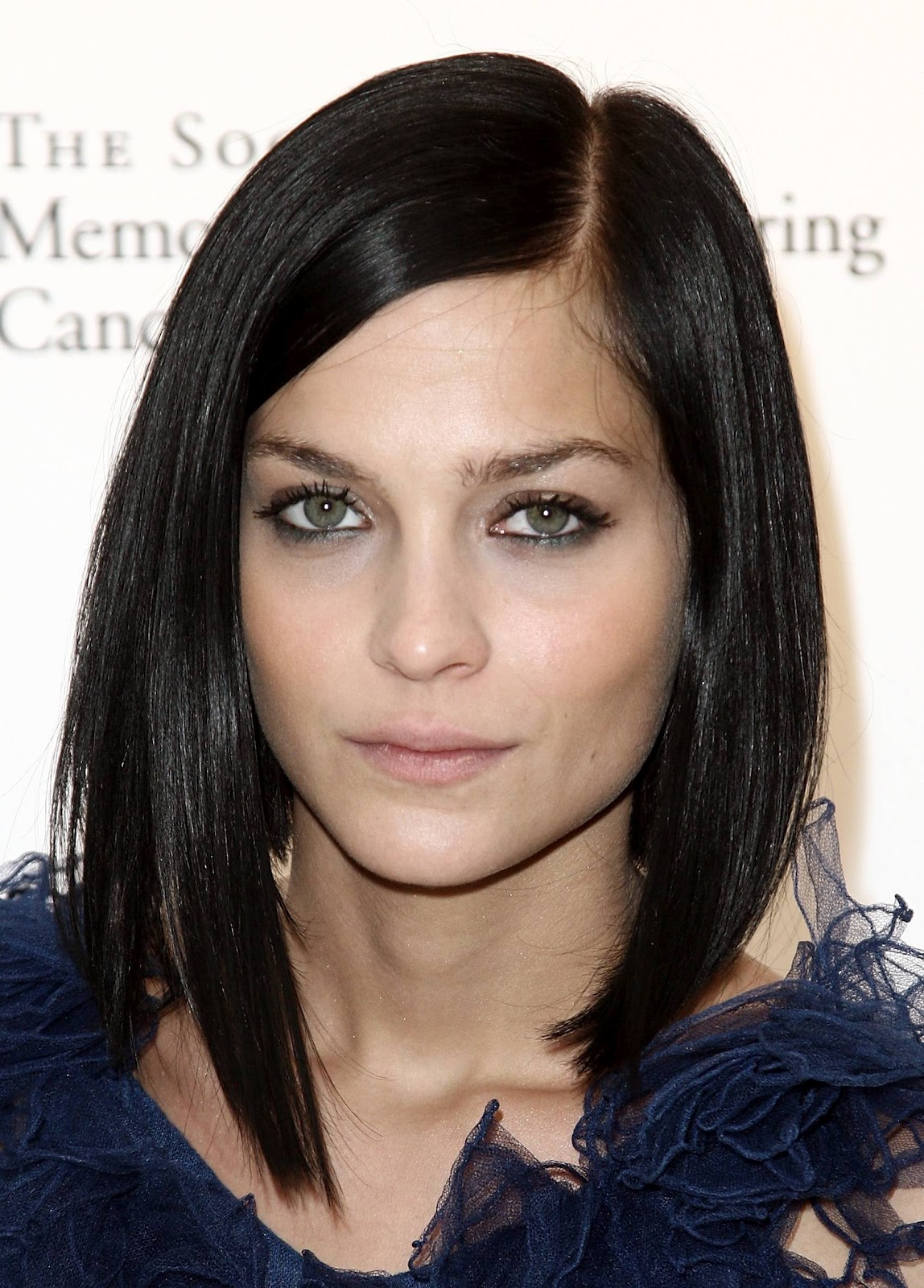 Fashion And Style Long HairStyles 2012 For Round Faces