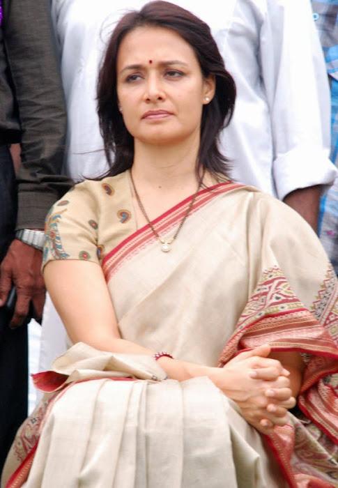 old amala nagarjuna saree
