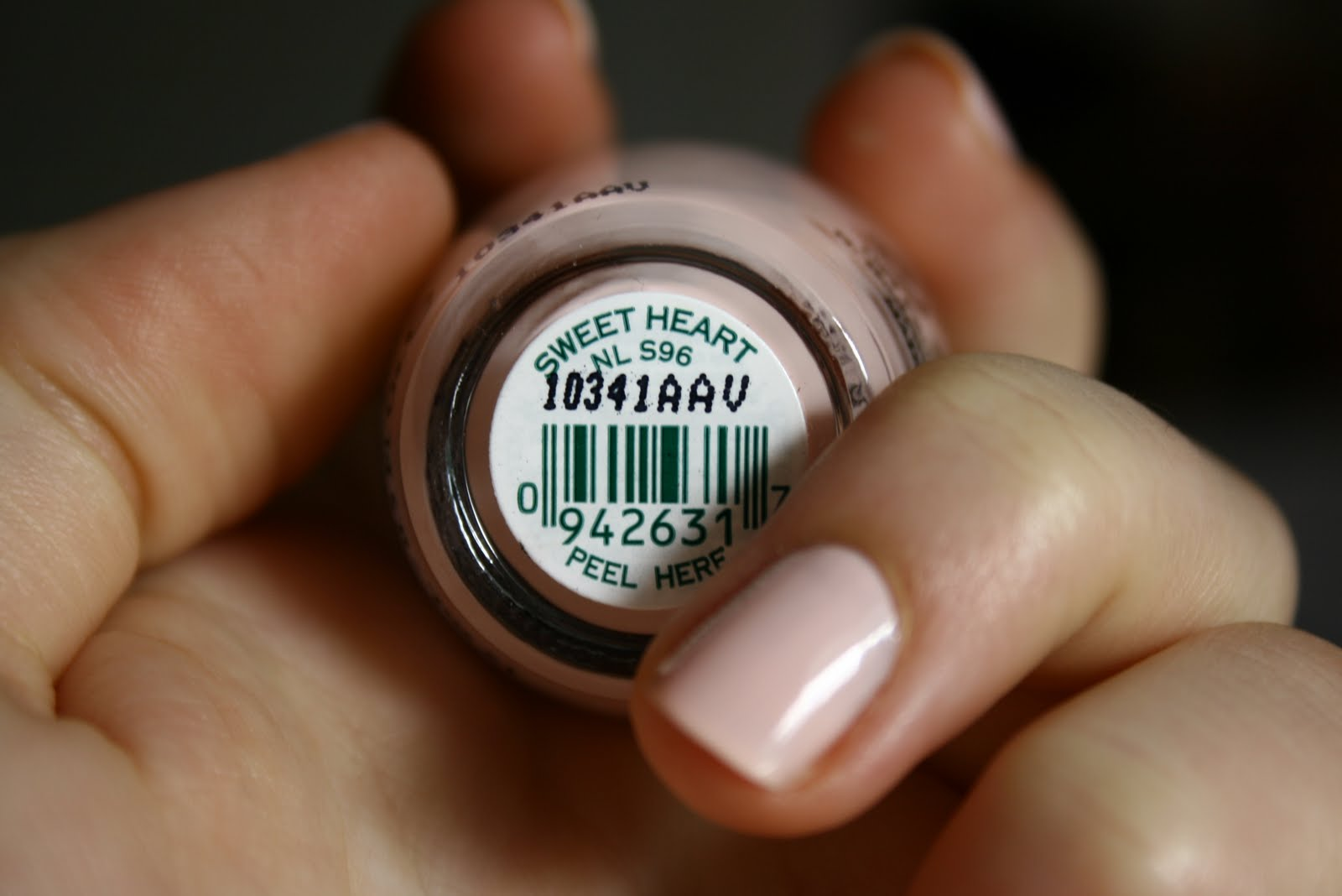 Top FOCUS ON THE QUIET: OPI Sweet Heart nail polish WW49