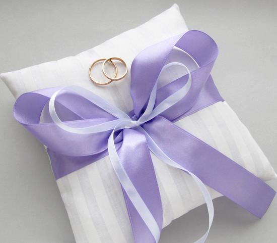 Подушка с лавандовой лентой, Lilac pillow
