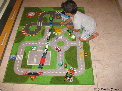My points of view mi rcoles mudo juegos infantiles - Alfombra circuito coches ...