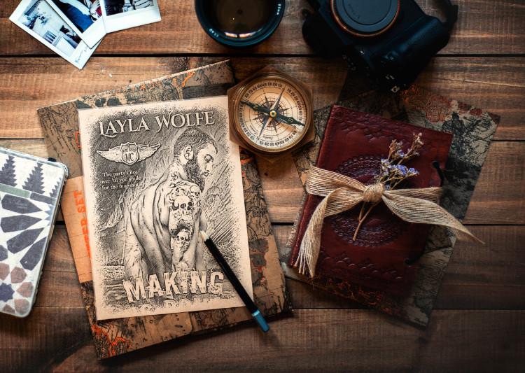 Layla Wolfe, Romance Author