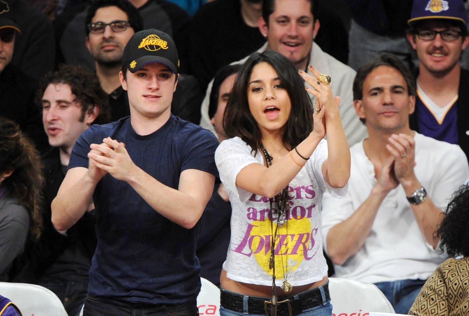 Robert Pattinson : Robert Pattinson et Kristen Stewart, Ian Somerhalder et Nina Dobrev : Ces