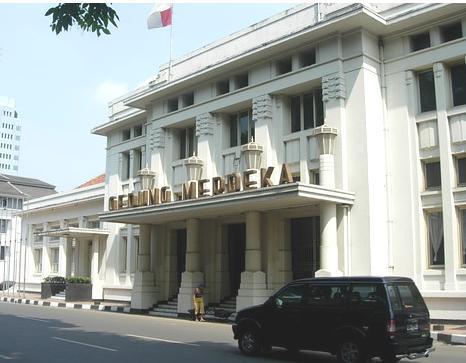 bangunan gedung bersejarah