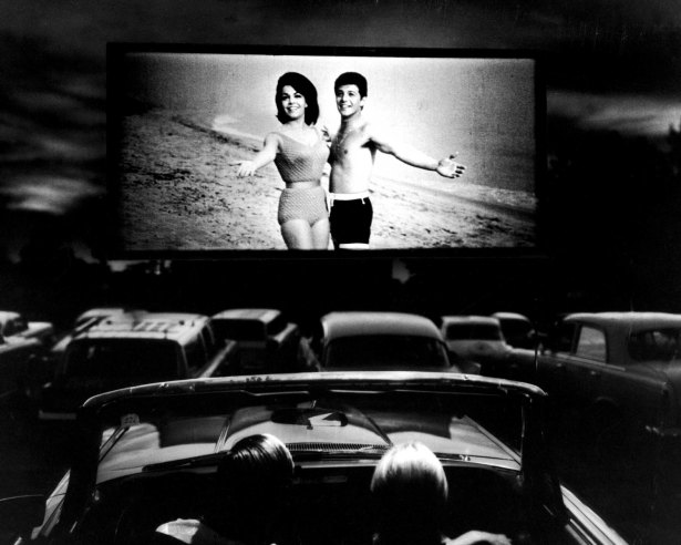 Vintage Everyday Old Photos Of Life At The Drive In Theater A Vanishing American Pastime