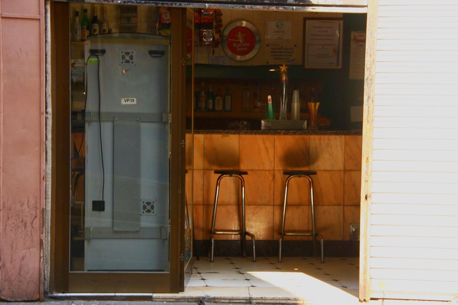 Barcelona bar 10 a.m.
