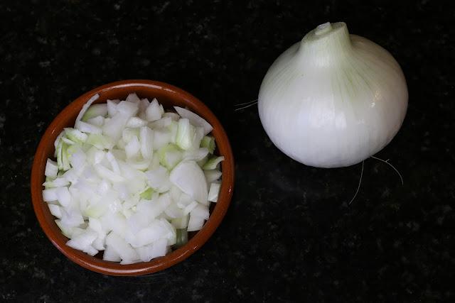 Cebolla nueva entera y troceada