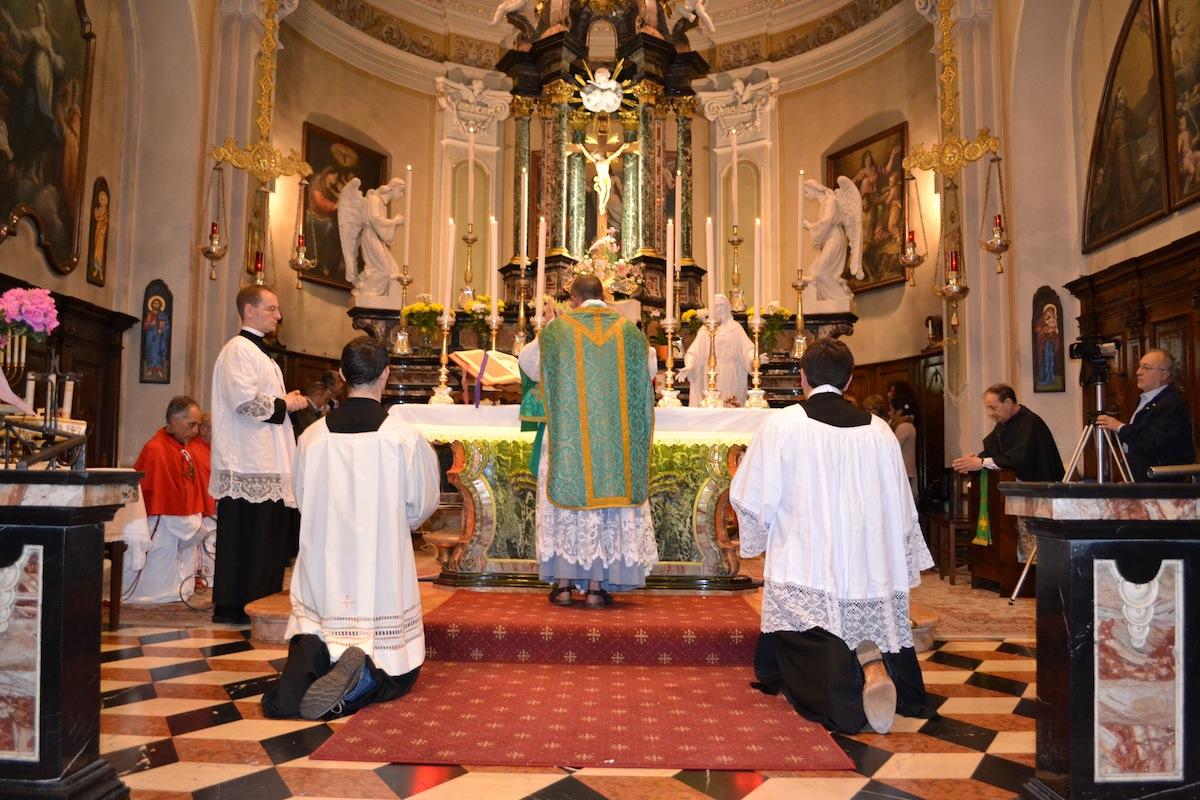 Matrimonio Rito Romano O Ambrosiano : Catholicvs santa misa en el rito ambrosiano tradicional