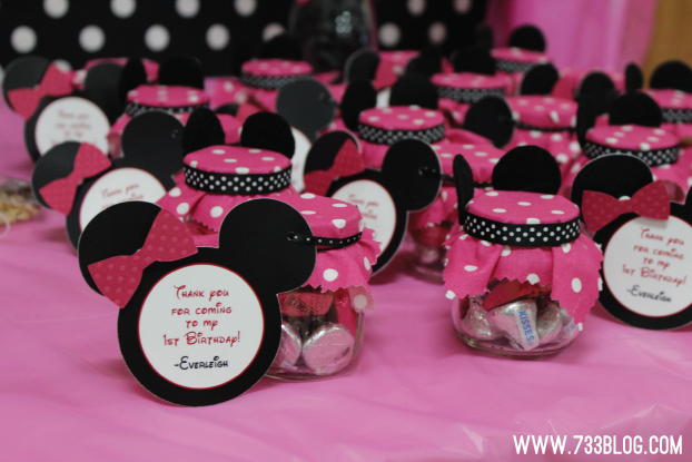 Baby shower ideas on pinterest minnie mouse minnie for Baby minnie mouse party decoration