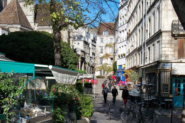 Una placita en París