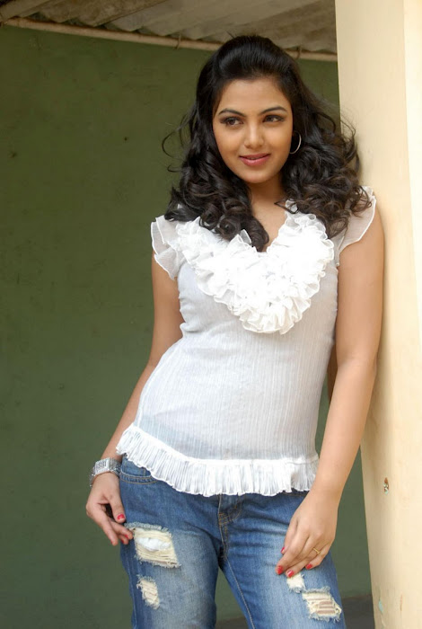 Priyanka Tivari latest photos