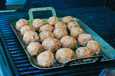 Grilled Sriracha-Sesame Turkey Meatballs - Kalyn's Kitchen