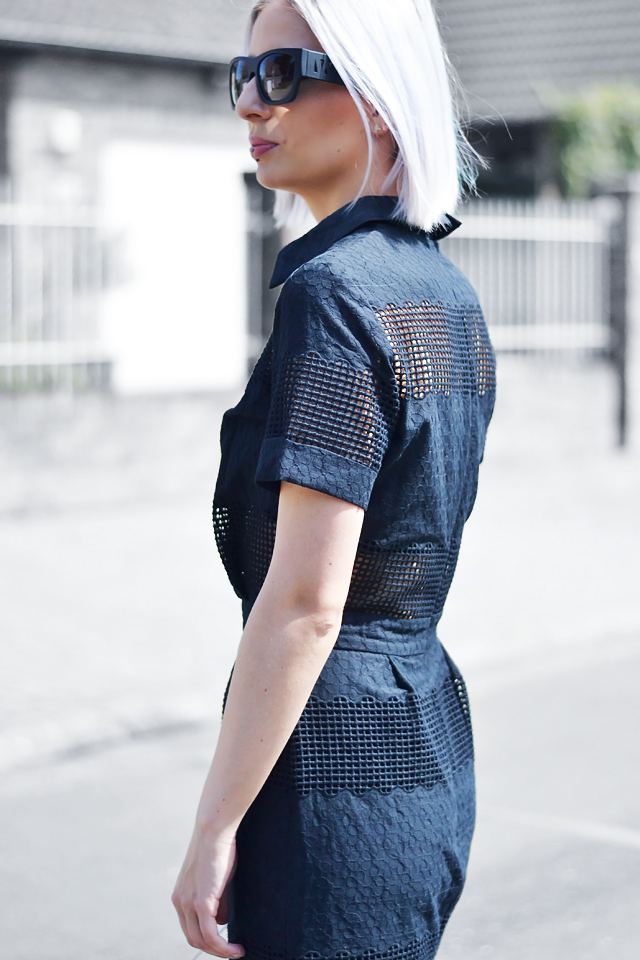 Turn it inside out // Black midi dress
