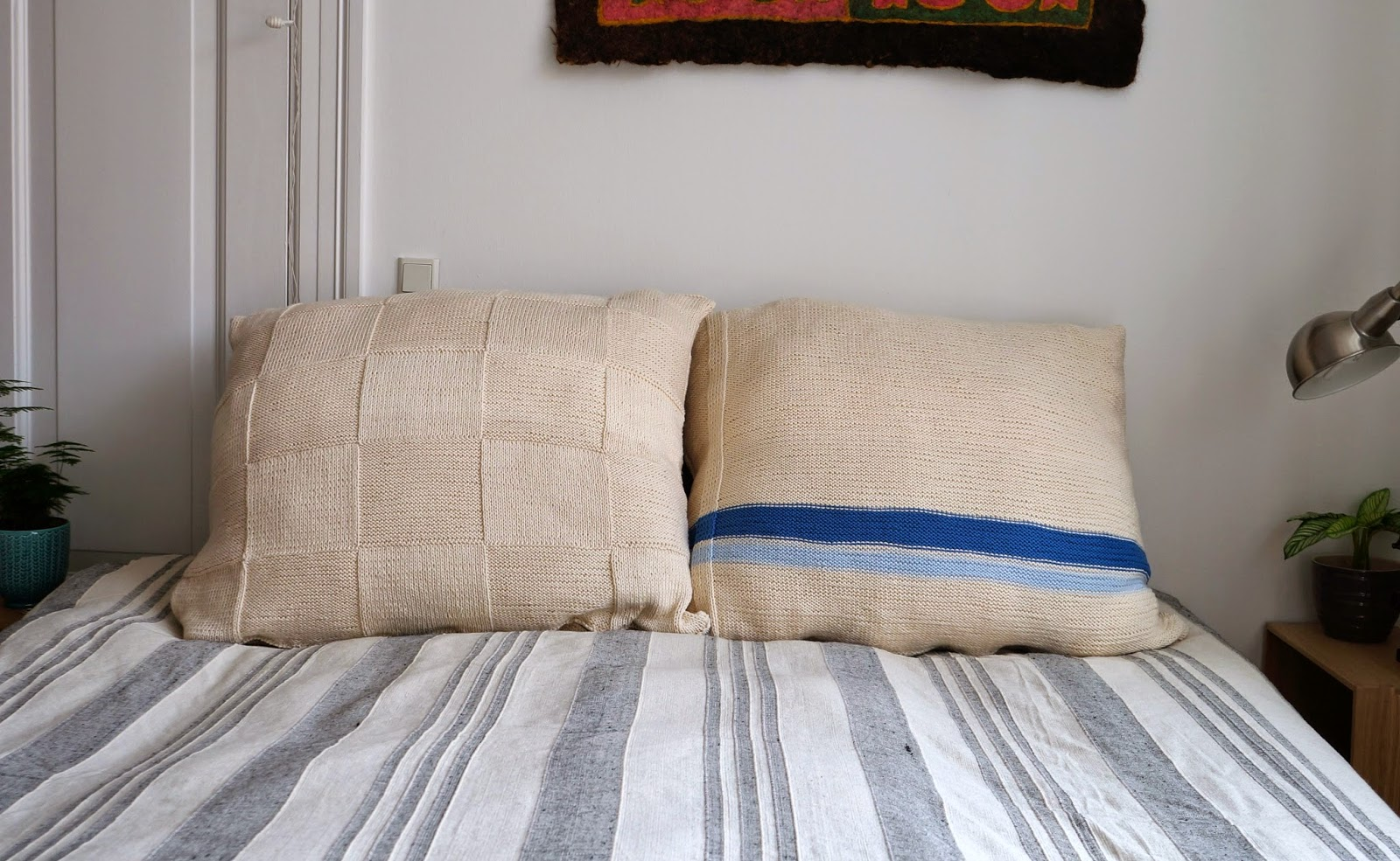DIY Knitted Pillowcases Instead Of Headboard
