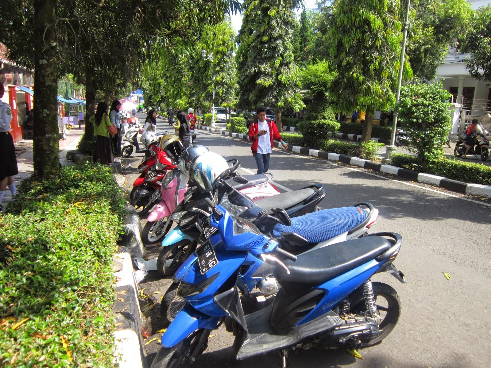 Awas ! Disini ada Makanan Papua mulai beredar di Sukabumi.