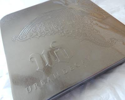 Urban Decay Mariposa Palette tin