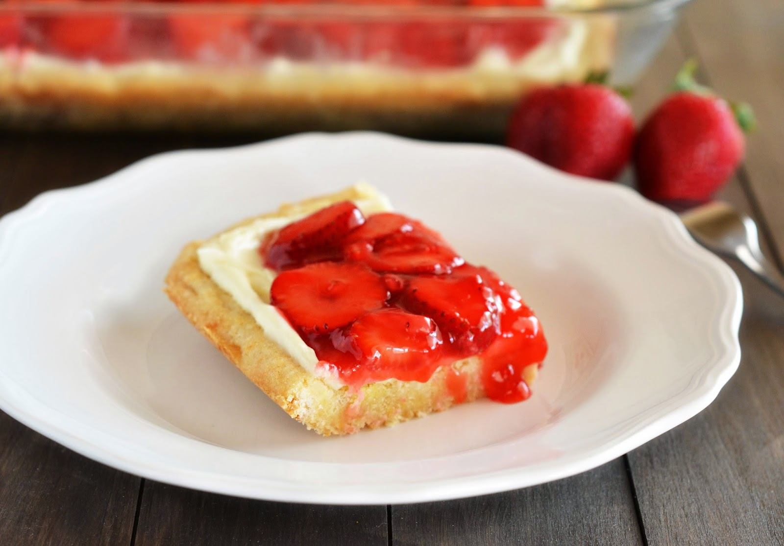 The Country Cook: Strawberries & Cream Dessert Bars