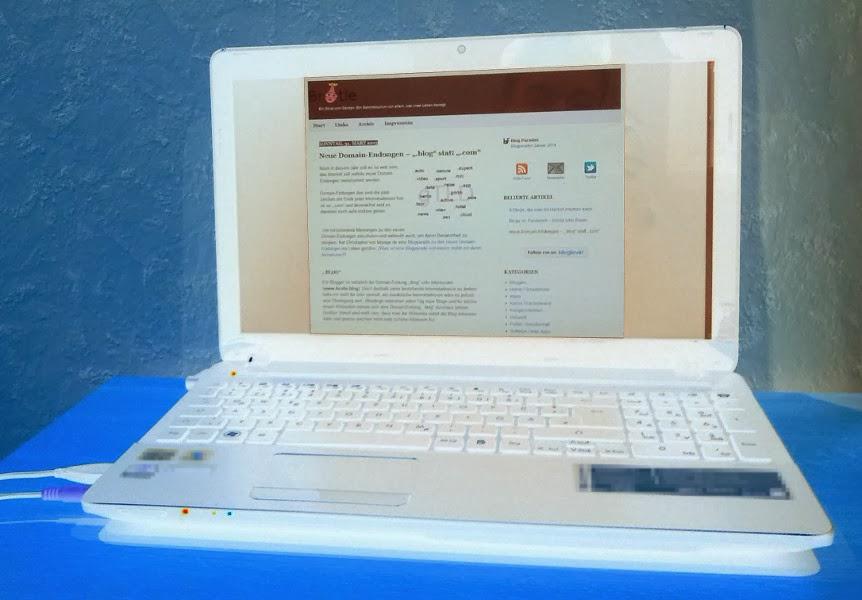 Das Bild zeigt einen Laptop, der gerade die Seite brotle.com geöffnet hat.