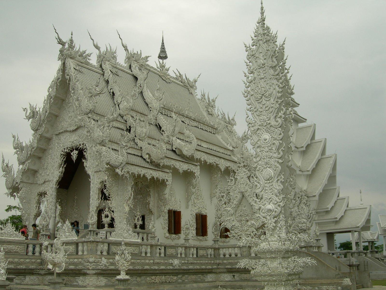 paradis express: Wat Rong Khun, Chiang Rai, Thailand