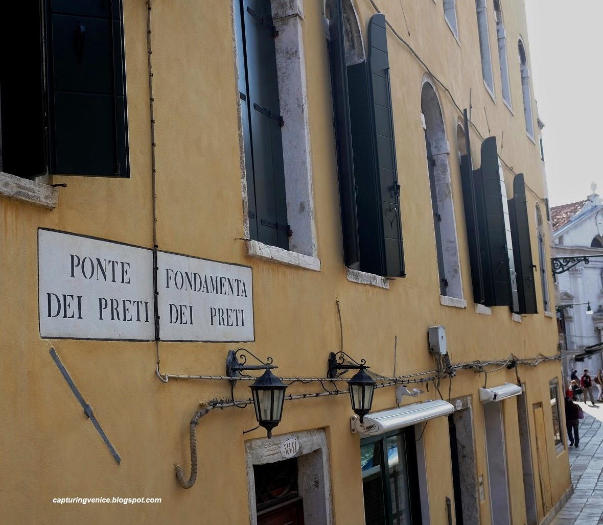 Calle del Paradiso Venice capturingvenice.blogspot.com