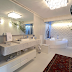 Banheiro inteiro branco com texturas - maravilhoso!
