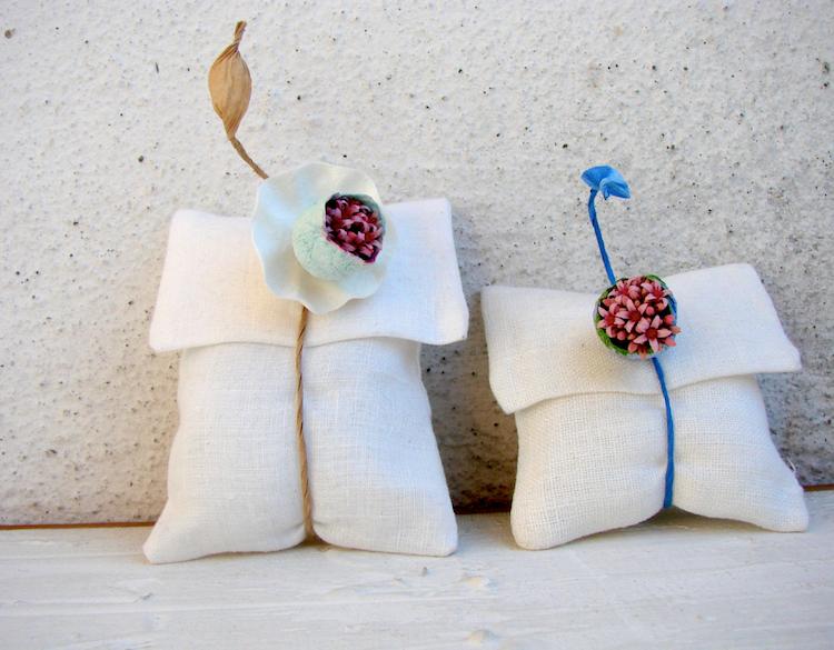 matrimonio etico segnaposto e bomboniere con fiori di carta