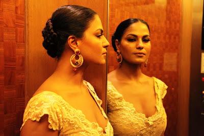 Veena Malik Hot Big Boobs Cleavage Breast beautiful