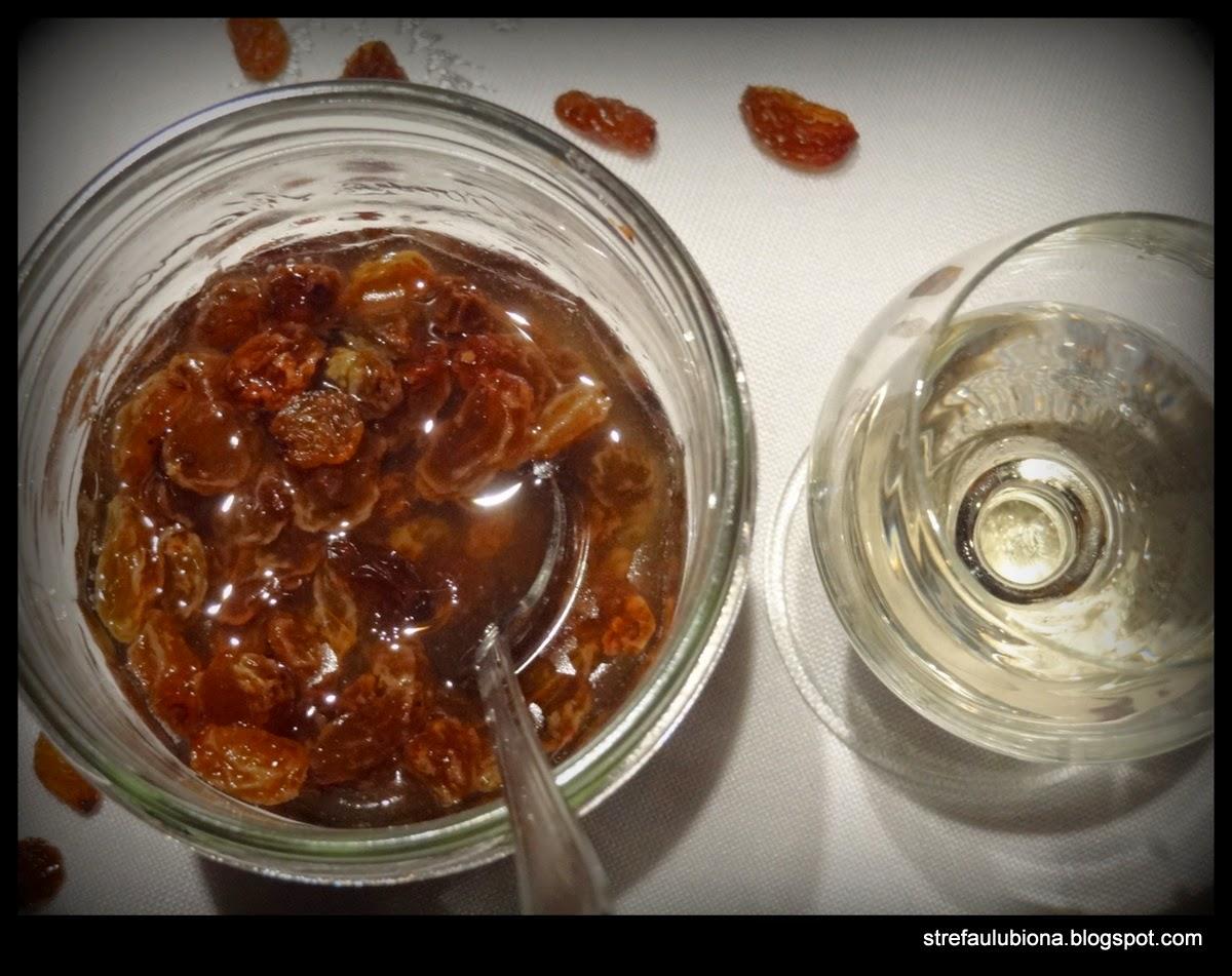 http://strefaulubiona.blogspot.com/2014/12/pijane-rodzynki-dodatek-do-ciast.html
