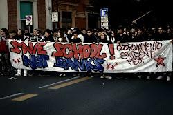 Salva le scuole non le banche corteo studenti medi 11/11/11 Pisa