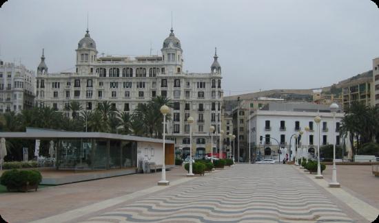 Casa Carbonell y Hotel Palas