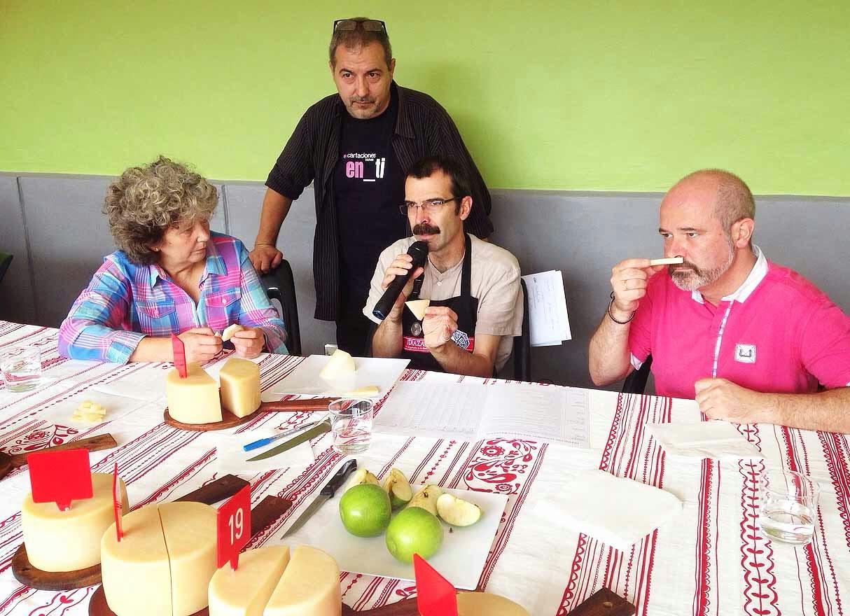 Gazta-Eguna-Trucíos-Turtzios-Entrevistando-A-Jesus-Arregui