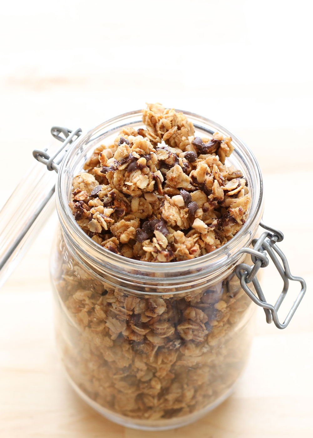 PB Chocolate Chip Granola {EASY crock-pot recipe!} by Barefeet In The Kitchen