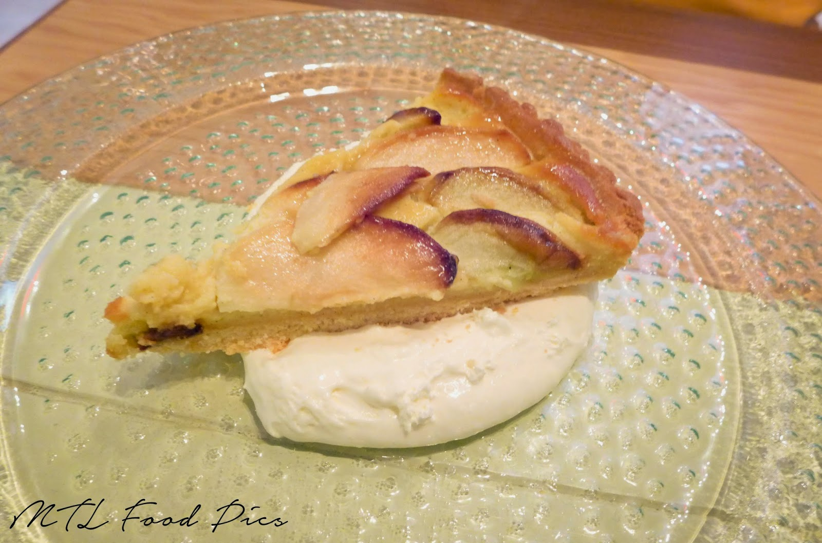 Almond Apple Tart with Yogourt Custard - Lavanderia Montreal