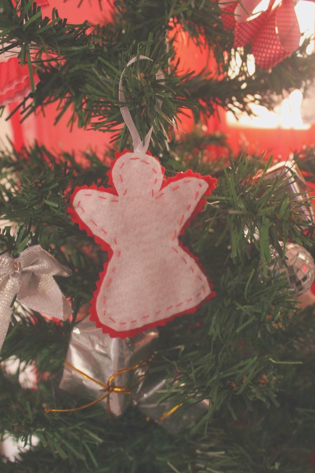 Enfeites Natalinos - Faça você mesmo #segundanatalina - Anjinho de feltro, pinheirinho de forminhas de cupcakes